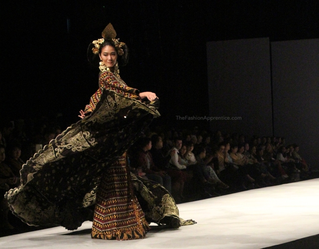 pradnya cinantya anya the fashion apprentice indonesia fashion week 2016 tjok abi 4