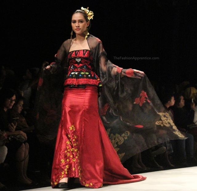 pradnya cinantya anya the fashion apprentice indonesia fashion week 2016 tjok abi 5